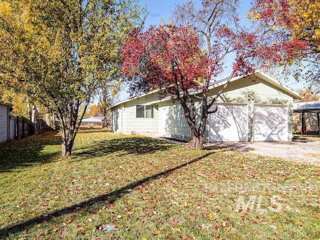 3909-11 N Patricia Lane, Boise, ID 83704 (MLS #98748786) :: Idaho Real Estate Pros