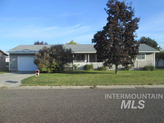715 NW 3rd St, Fruitland, ID 83719 (MLS #98749087) :: Epic Realty