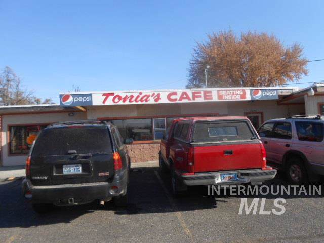 1412 Main Street, Pomeroy, WA 99347 (MLS #98749712) :: Boise Home Pros
