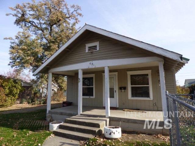 621 7th Street, Clarkston, WA 99403 (MLS #98749807) :: Beasley Realty
