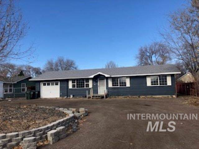384 E 2nd Steet, Kuna, ID 83634 (MLS #98750866) :: Team One Group Real Estate