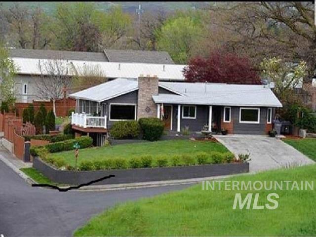 501 18th Avenue, Lewiston, ID 83501 (MLS #98751598) :: Jon Gosche Real Estate, LLC