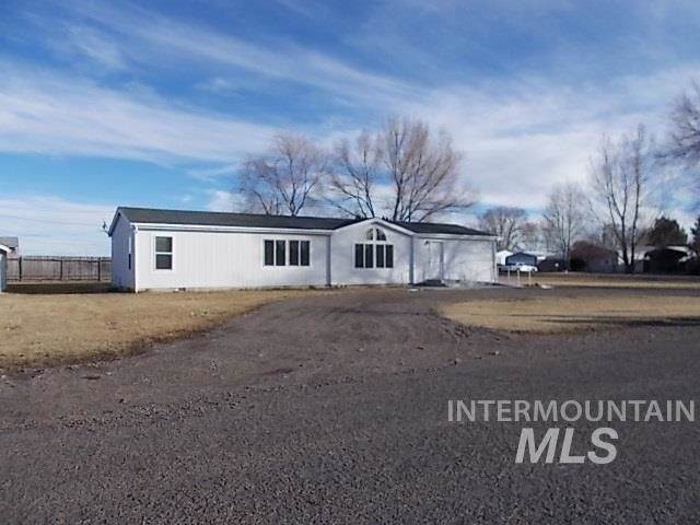 1710 C St, Heyburn, ID 83336 (MLS #98754477) :: New View Team