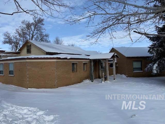 678 E Hwy 26, Shoshone, ID 83352 (MLS #98756178) :: Michael Ryan Real Estate