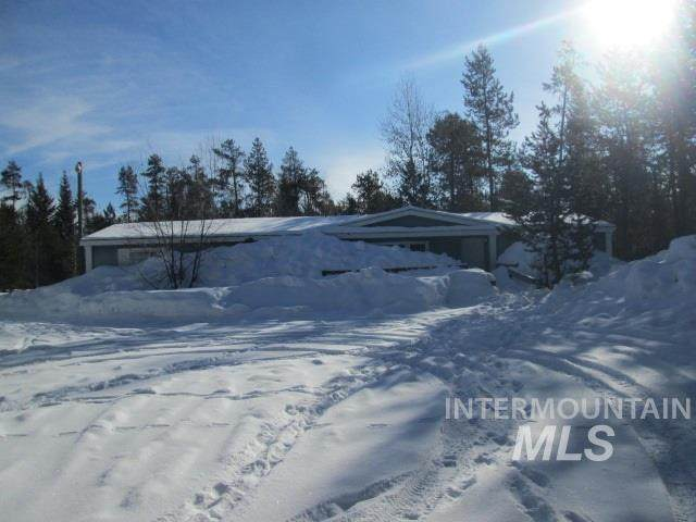 12726 Smoky Dr, Donnelly, ID 83615 (MLS #98757933) :: Minegar Gamble Premier Real Estate Services