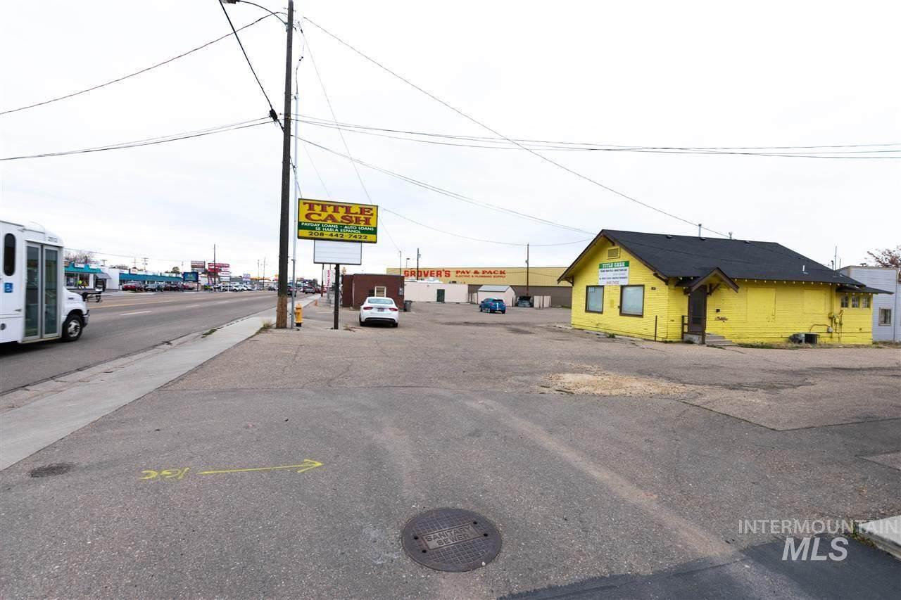 800 Caldwell Blvd - Photo 1
