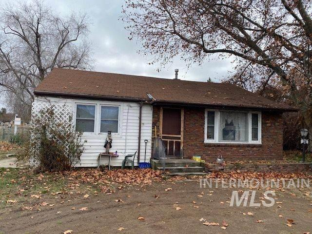 911 E Locust, Emmett, ID 83617 (MLS #98759935) :: Full Sail Real Estate