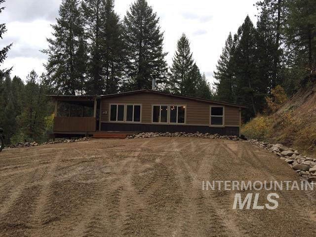 17 Skyridge, Garden Valley, ID 83622 (MLS #98761770) :: Story Real Estate