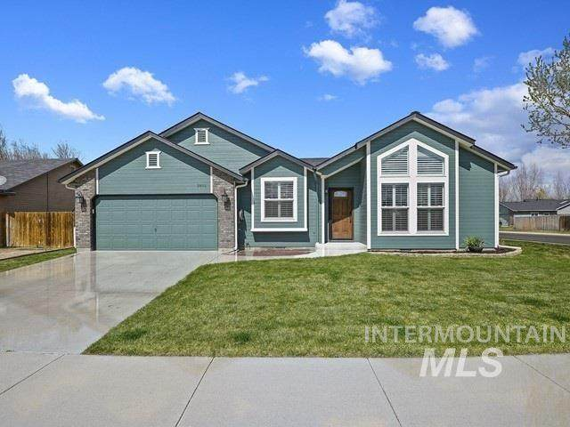 2892 W Foxtrotter Dr, Meridian, ID 83646 (MLS #98762806) :: Team One Group Real Estate