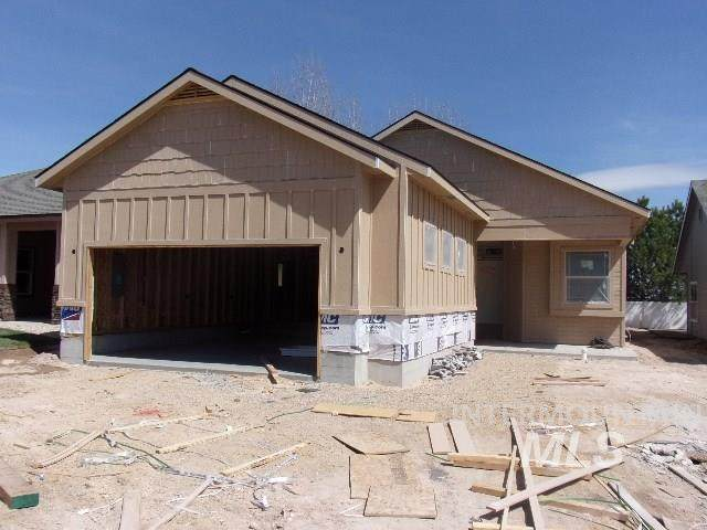 3704 S Teakwood, Nampa, ID 83686 (MLS #98763661) :: Build Idaho