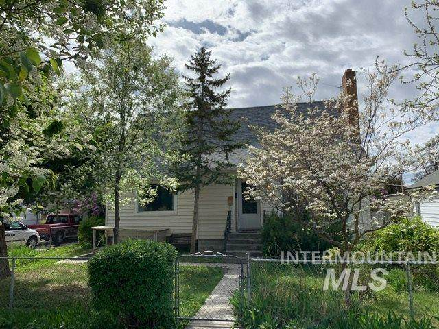 207 S Fern, Nampa, ID 83686 (MLS #98765610) :: Story Real Estate