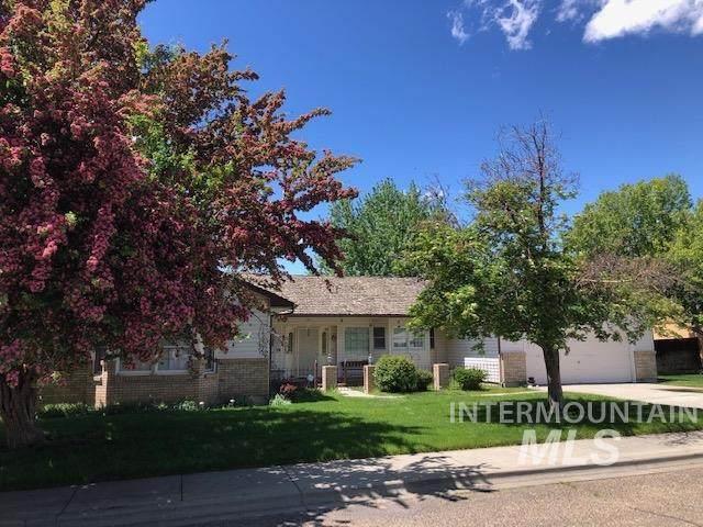 1825 N 6TH E, Mountain Home, ID 83647 (MLS #98767090) :: Adam Alexander