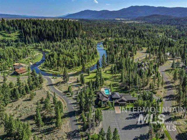 114 Fawnlilly Dr, Mccall, ID 83638 (MLS #98767901) :: Jon Gosche Real Estate, LLC