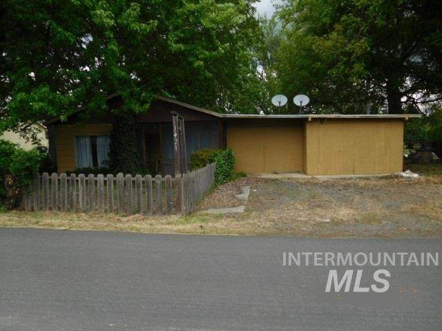 1421 Airway Ave, Lewiston, ID 83501 (MLS #98768136) :: Full Sail Real Estate