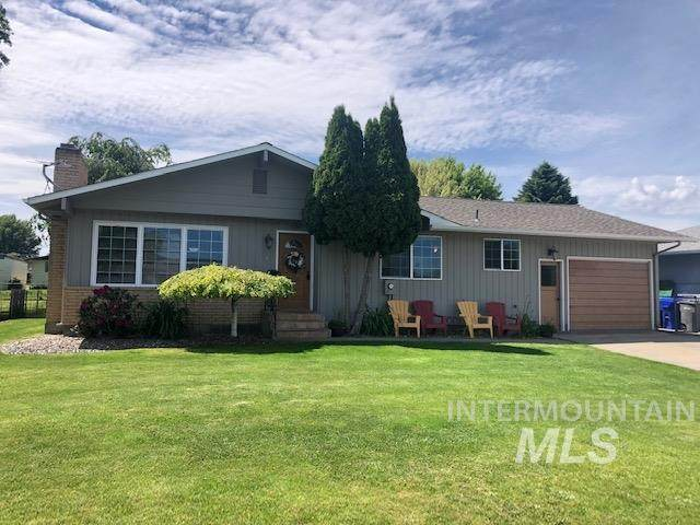 1124 Linden Dr, Lewiston, ID 83501 (MLS #98768648) :: Team One Group Real Estate