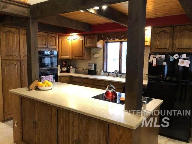 848 E 3400 N, Castleford, ID 83321 (MLS #98769445) :: Minegar Gamble Premier Real Estate Services