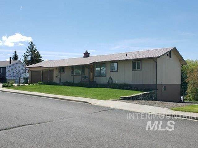 1106 S Hall Street, Grangeville, ID 83530 (MLS #98769464) :: Minegar Gamble Premier Real Estate Services
