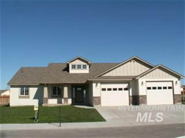 1612 NE Bedrock Street, Mountain Home, ID 83647 (MLS #98772879) :: Bafundi Real Estate