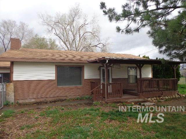1910 American Legion Blvd, Mountain Home, ID 83647 (MLS #98774457) :: Boise River Realty