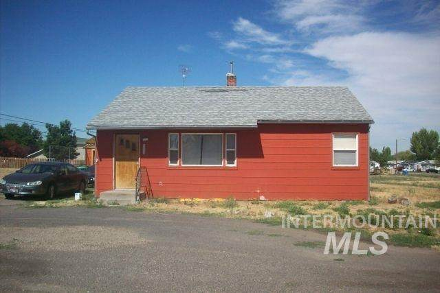 1225 S Lincoln, Jerome, ID 83338 (MLS #98776833) :: New View Team