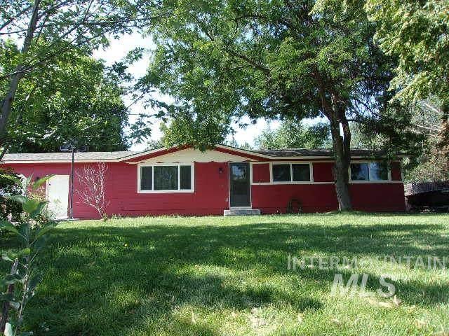 1531 N Plaza, Emmett, ID 83617 (MLS #98776903) :: City of Trees Real Estate