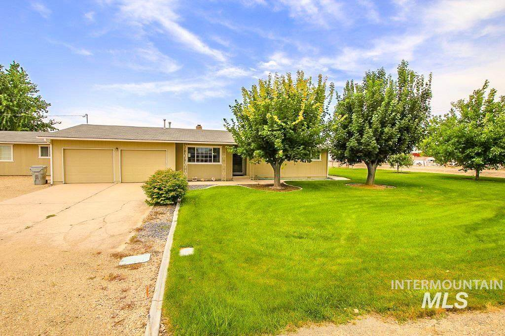 5416 Victory Rd - Photo 1