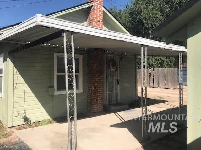 814 14th Ave S, Nampa, ID 83651 (MLS #98777245) :: Build Idaho