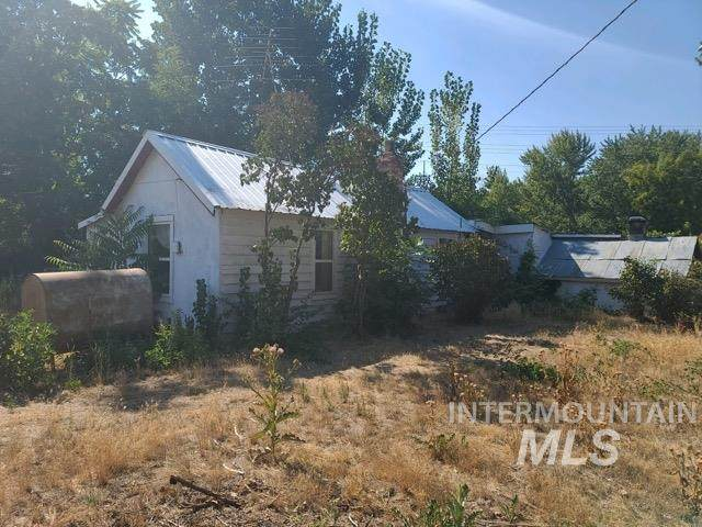 1505 Boise Ave, Caldwell, ID 83605 (MLS #98779817) :: Build Idaho