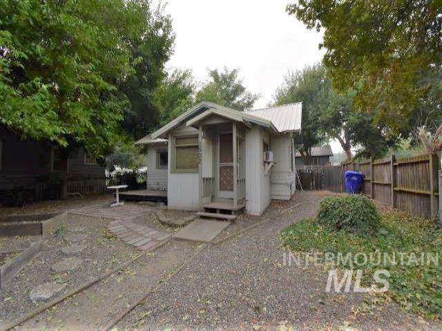1502 14th Avenue, Lewiston, ID 83501 (MLS #98781272) :: Juniper Realty Group