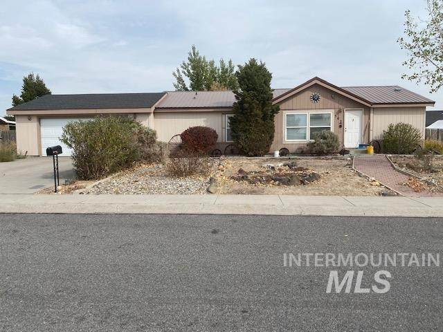 507 Golden Spur Drive, Twin Falls, ID 83328 (MLS #98781880) :: Build Idaho