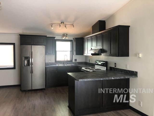 211 N Railroad Ave, Uniontown, WA 99179 (MLS #98782104) :: Full Sail Real Estate