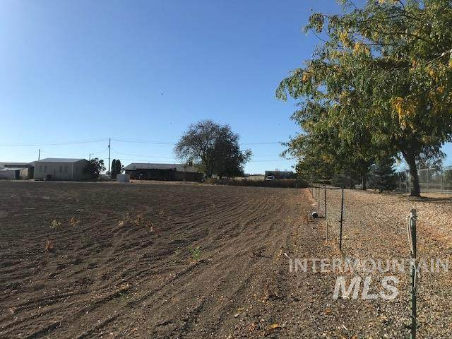 601 E Homedale Road, Caldwell, ID 83607 (MLS #98782558) :: Team One Group Real Estate
