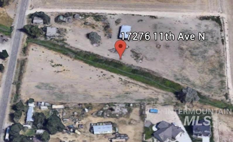 17276 11th Ave N - Photo 1