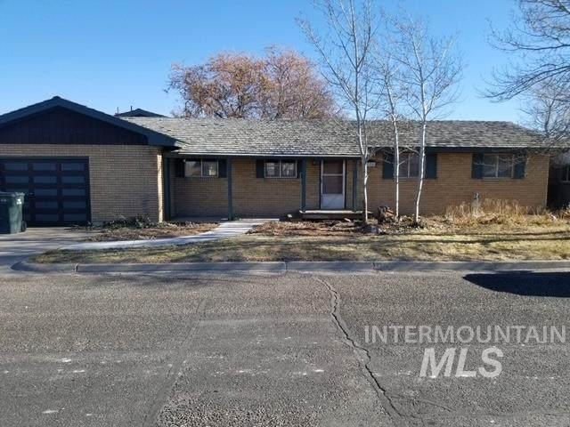 320 N 4th St West, Paul, ID 83347 (MLS #98788352) :: Juniper Realty Group