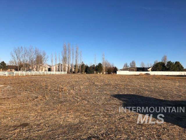 3712 N 2470 E, Filer, ID 83328 (MLS #98790199) :: Build Idaho