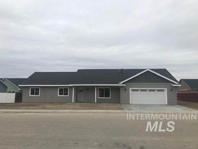 1008 Homestead Dr, Emmett, ID 83617 (MLS #98790961) :: The Bean Team