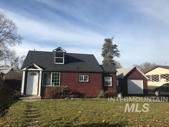 2216 College Ave, Caldwell, ID 83605 (MLS #98791907) :: City of Trees Real Estate