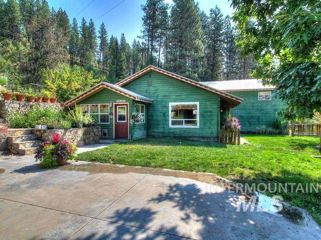 126 Warm Springs, Garden Valley, ID 83622 (MLS #98792713) :: Story Real Estate