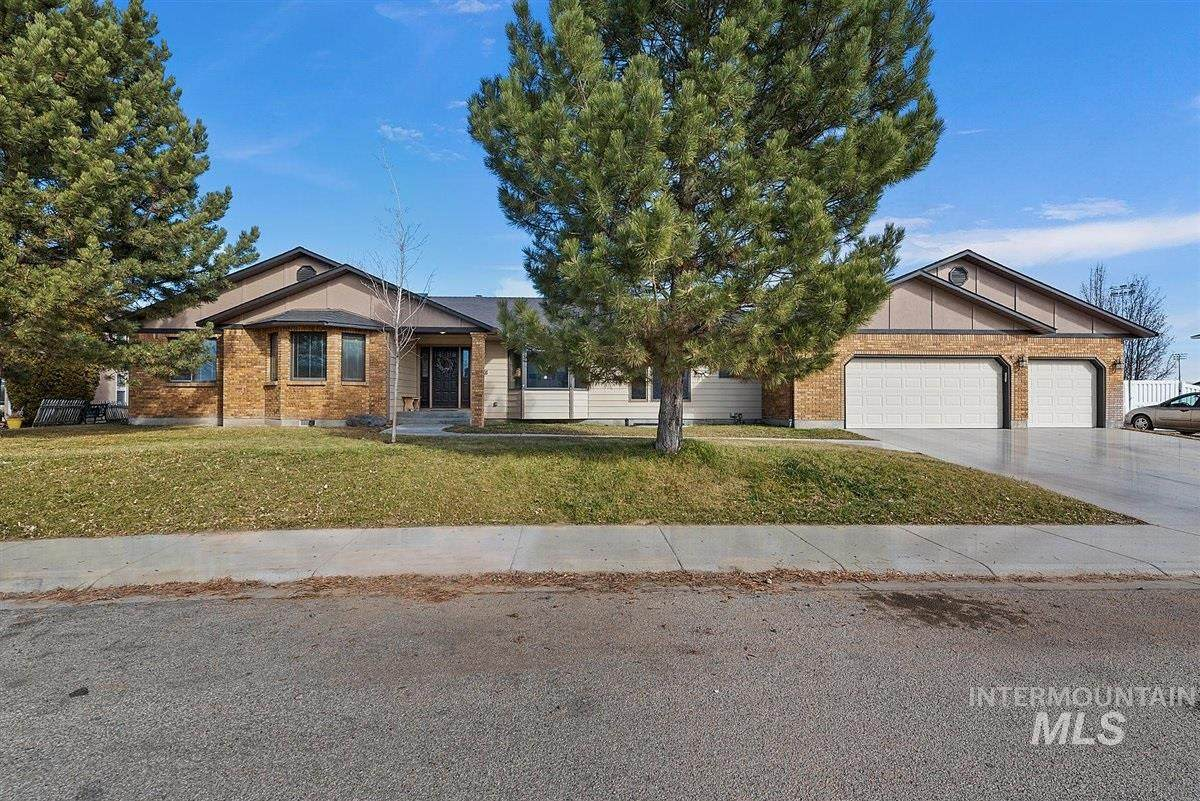 1276 N Cambrick Dr - Photo 1