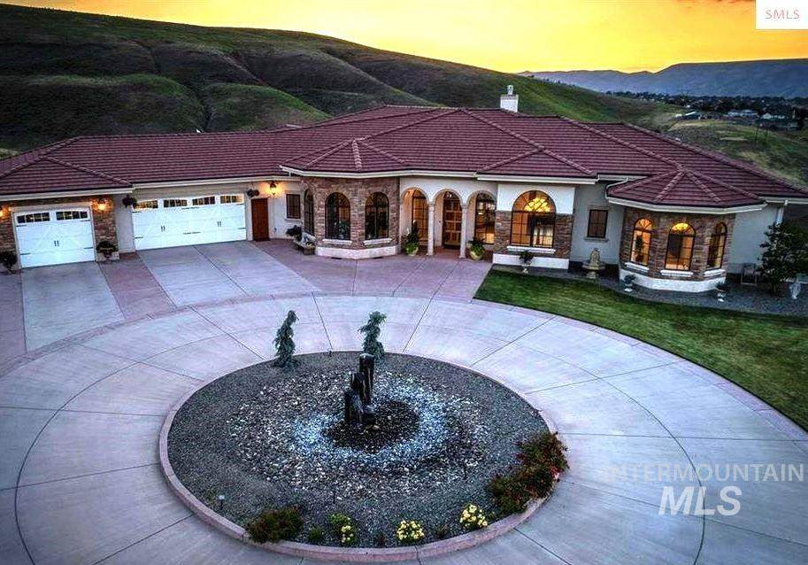 3306 Michael Dr - Photo 1