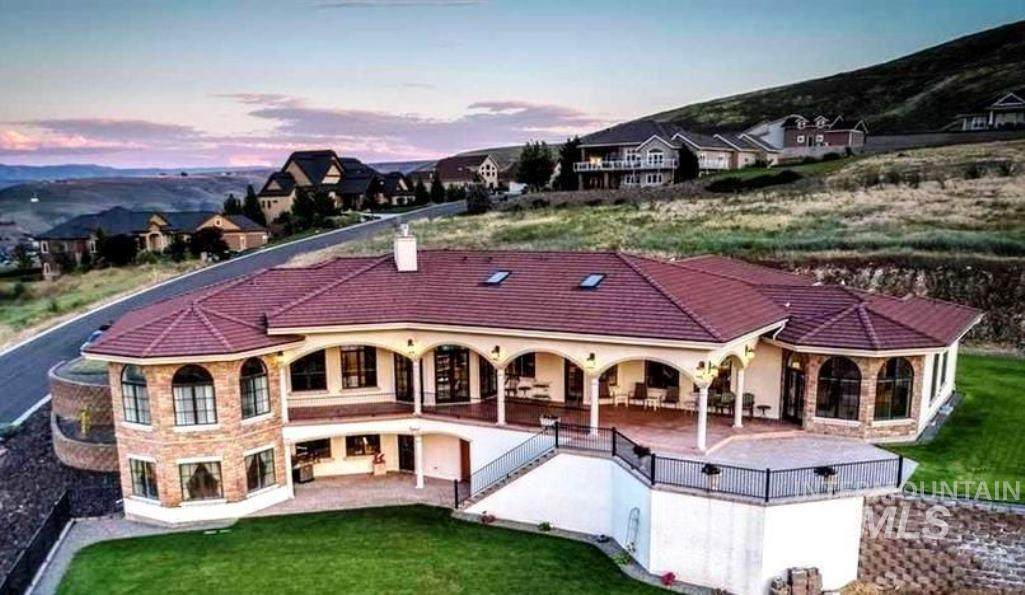 https://bt-photos.global.ssl.fastly.net/imls/orig_boomver_1_98794080-2.jpg