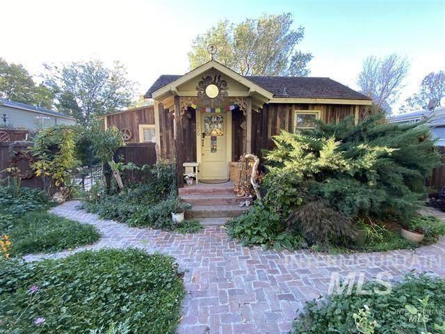 250 E Reed, Hagerman, ID 83332 (MLS #98794602) :: Minegar Gamble Premier Real Estate Services