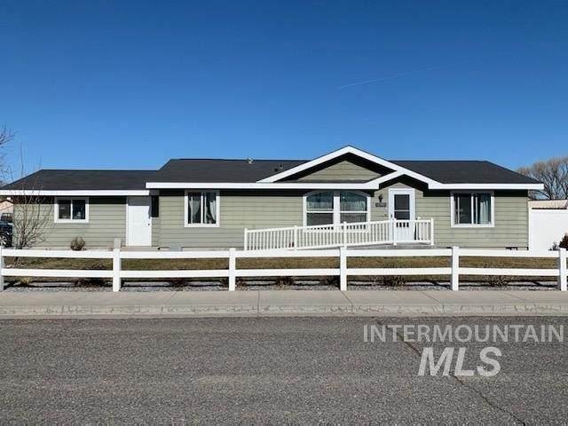290 Ellsworth St, Vale, OR 97918 (MLS #98794889) :: Minegar Gamble Premier Real Estate Services
