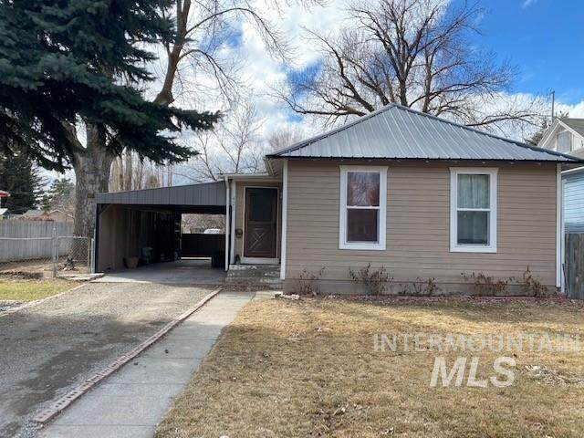421 N Cherry, Shoshone, ID 83352 (MLS #98795519) :: Minegar Gamble Premier Real Estate Services