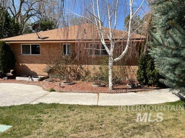 1968 E Falls, Twin Falls, ID 83301 (MLS #98799030) :: Team One Group Real Estate