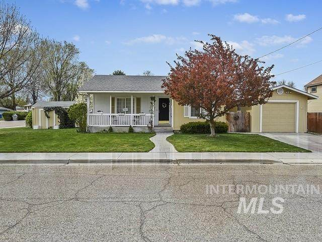 2223 3rd St So, Nampa, ID 83651 (MLS #98799429) :: Boise Valley Real Estate