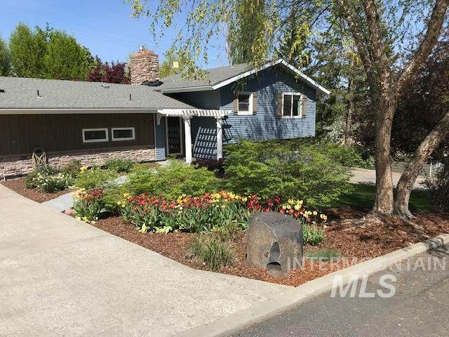 1272 Highland Dr., Moscow, ID 83843 (MLS #98800043) :: Beasley Realty