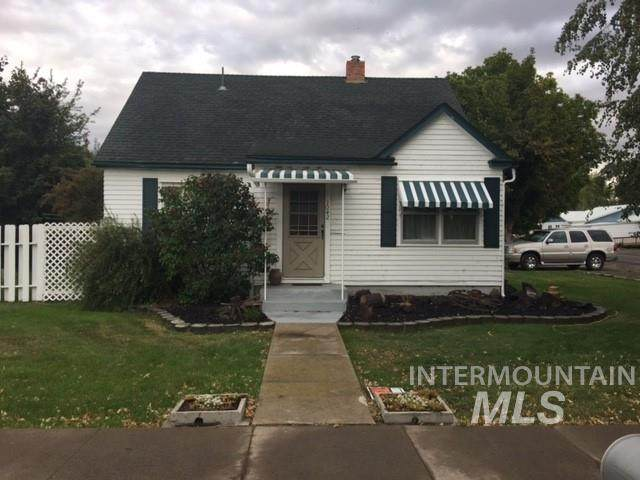 1042 Main Street, Gooding, ID 83330 (MLS #98800164) :: Shannon Metcalf Realty