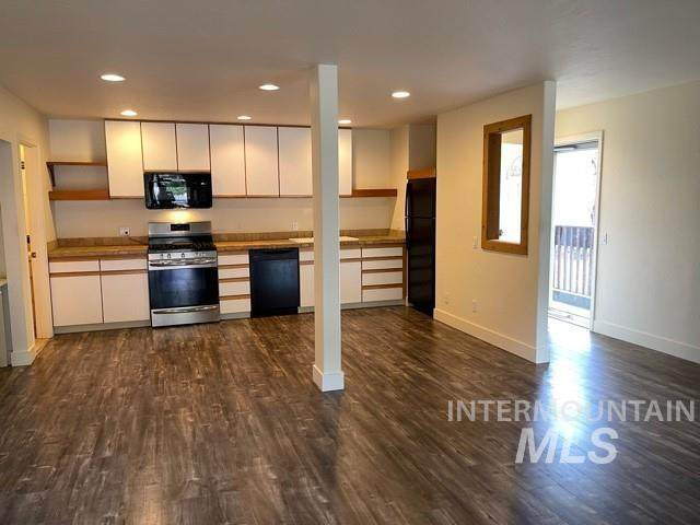 150 Wood River Drive #B2, Ketchum, ID 83340 (MLS #98801681) :: City of Trees Real Estate