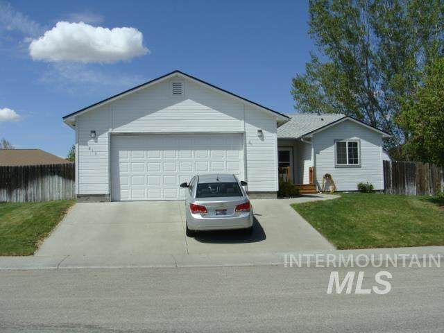 815 Gregory Ln - Photo 1